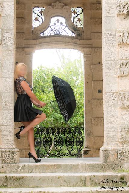 blonde GFE companion fort lauderdale